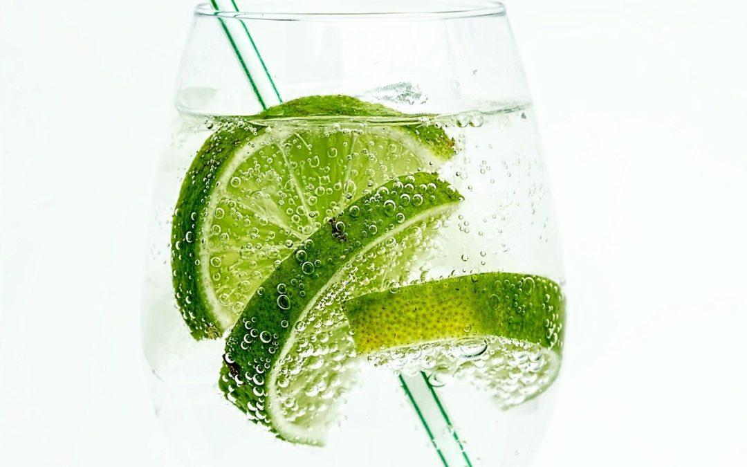 Koktejly s ginem, které by měl každý znát